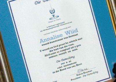 Spesiale DK Vrou-van-Formaat toekenning Annelise Wiid